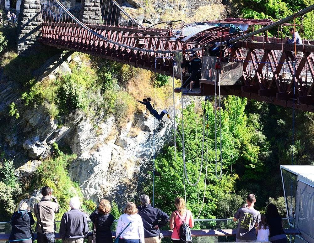Bungy Jumping na Nova Zelândia - Deck de observação!