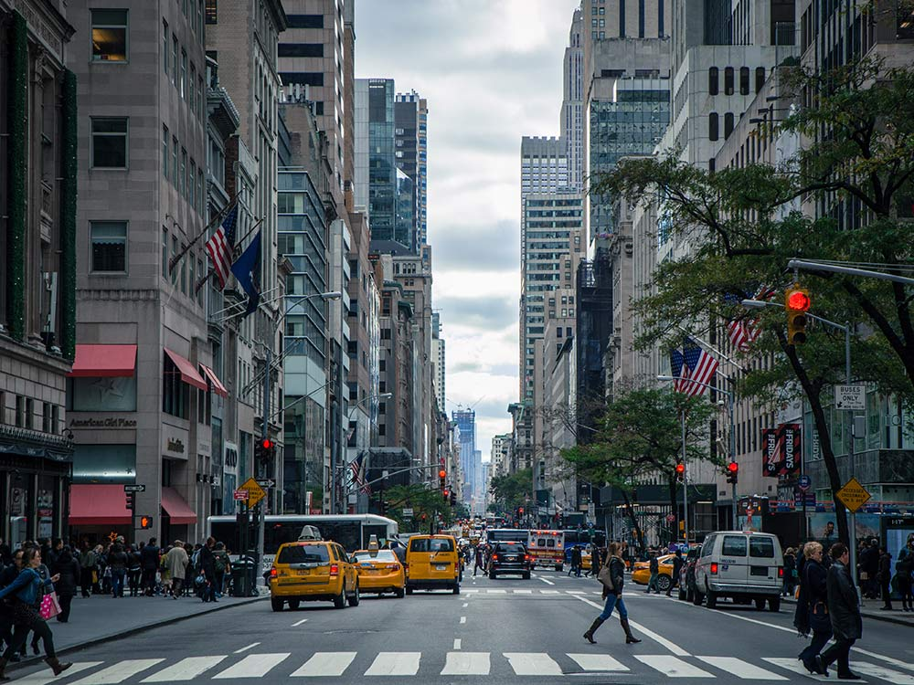 Quinta Avenida! Descubra nesse post 13 passeios grátis em new york, e veja como aproveitar a cidade sem estourar o orçamento!