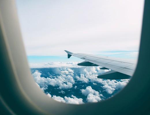 Procurando dicas de como aguentar viagens demoradas? Então clique no link e leia o nosso manual de como sobreviver a vôos longos!