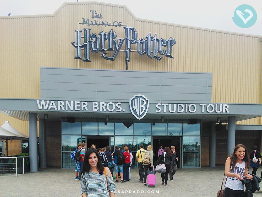 Já imaginou visitar o local das filmagens de toda a franquia do bruxinho mais querido de todos os tempos? Não? Então você precisa conhecer os estúdios do Harry Potter em Londres! Clica no link para ler!
