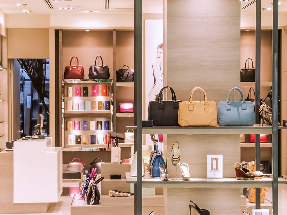Você não vai ter tempo de visitar todas as lojas se for em um dos outlets nos Estados Unidos. Faça uma lista com as suas favoritas e comece com elas. Clique no link para ler mais dicas de como aproveitar o seu dia de compras!