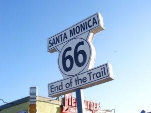 Santa Monica é uma parada obrigatória para quem vai conhecer LA! Clique no link e descubra o que fazer em até 7 dias nesse Roteiro para Los Angeles!