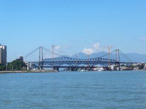 Passeio de Escuna em Florianópolis passando pela Baía dos Golfinhos