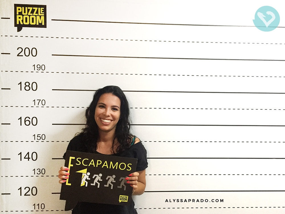 Foto de saída do Puzzle Room Brasil, depois de resolvermos o mistério e escaparmos da sala! Clique no link e conheça tudo sobre essa famosa Sala de Escape!
