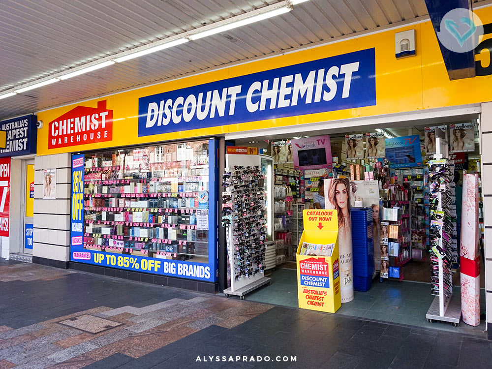Perfumes e produtos de beleza e higiene baratos, essa é a proposta da Chemist Warehouse. Conheça essa e outras 5 lojas onde comprar maquiagem na Austrália nesse post!