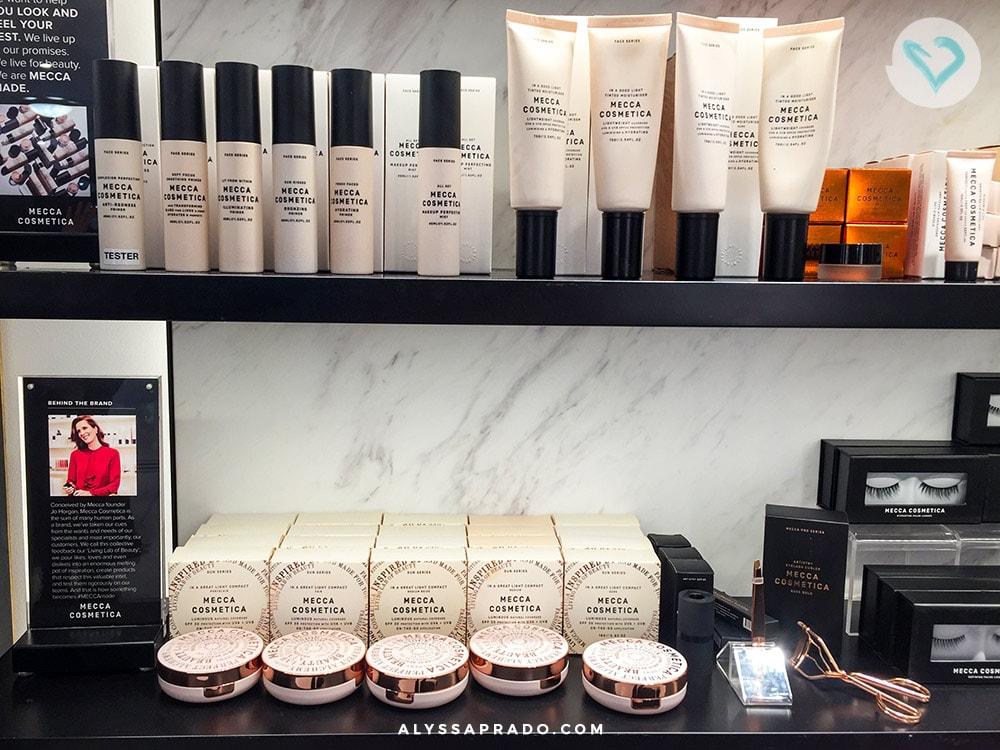 Quer comprar maquiagens na sua viagem a Austrália e não sabe quais lojas visitar? Essa é a MECCA, que vende tanto marcas high-end quanto de luxo. Confira outras lojas e opções para todos os bolsos nesse post, é só clicar no link!