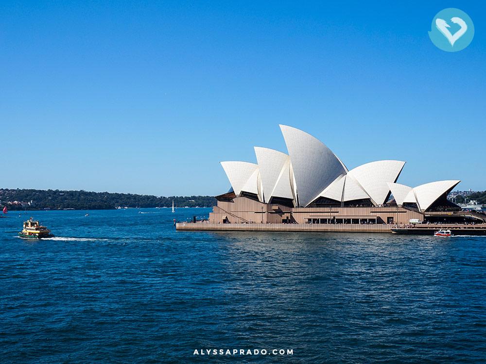 E essa vista incrível do Opera House? É um dos principais pontos compartilhados no walking tour grátis em Sydney! Clique no link para ler o post completo e descobrir como participar!