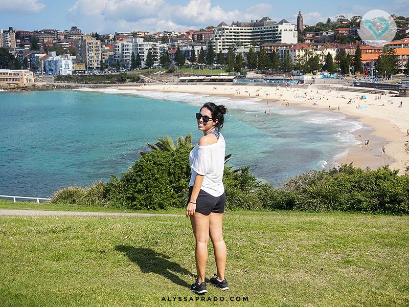 Começo da caminhada de Coogee para Bondi! A vista da trilha inteira é linda assim. Conheça esse e outros passeios para fazer em Sydney nesse post!