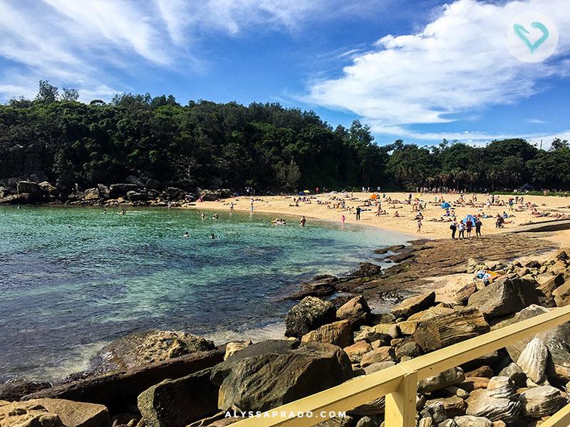 Essa é Shelly Beach, reserva que fica do lado da praia de Manly, e é um ótimo lugar para fazer snorkeling e mergulho. Confira outros 14 programas para fazer em Sydney nesse post, é só clicar no link!