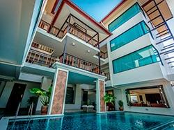 O Goldenbell Hotel em Chiang Mai nos recebeu super bem, e a piscina era uma delícia para os dias de calor intenso! Conheça esse e outros hotéis para se hospedar na Tailândia nesse post!