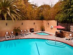 Descubra onde se hospedar em Los Angeles e se Hollywood é o bairro ideal para você nesse post!
