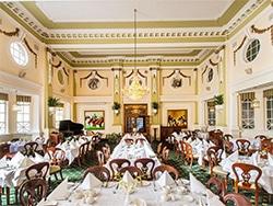 O Castlereagh é uma ótima opção de custo moderado para se hospedar no centro. Conheça esse e outros hotéis onde se hospedar em Sydney nesse post!