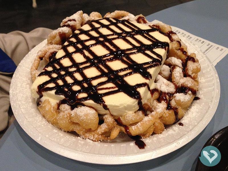 Conheça Funnel Cake e outras sobremesas deliciosas nesse post sobre o que comer na Disney!