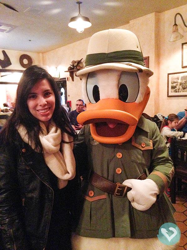 Refeições com personagens fazem parte da magia Disney! Descubra o que comer na Disney nesse post!