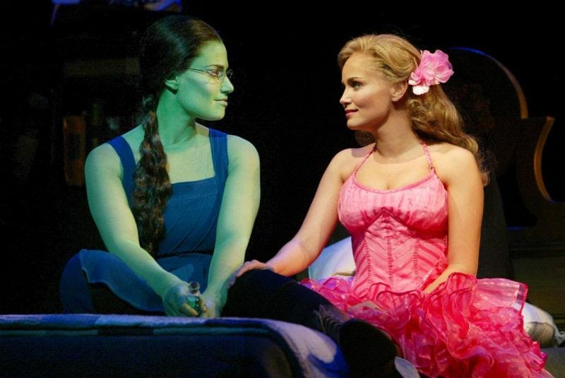 Veja mais sobre o musical Wicked na Broadway, sucesso de bilheteria e que encanta o público há 15 anos!