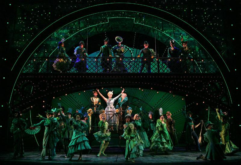Não sabe o que fazer em Nova York? Que tal assistir ao musical Wicked na Broadway? Campeão de bilheteria há 15 anos, ele com certeza vai te encantar! Leia mais no post!