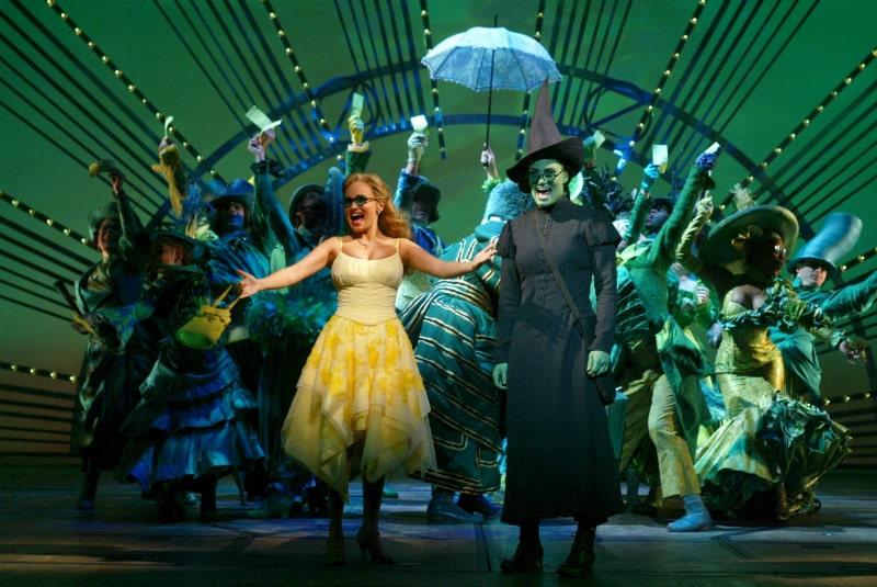 Leia mais sobre o famoso musical Wicked na Broadway, em Nova York! Sucesso de bilheteria, esse show encanta o público há 15 anos!