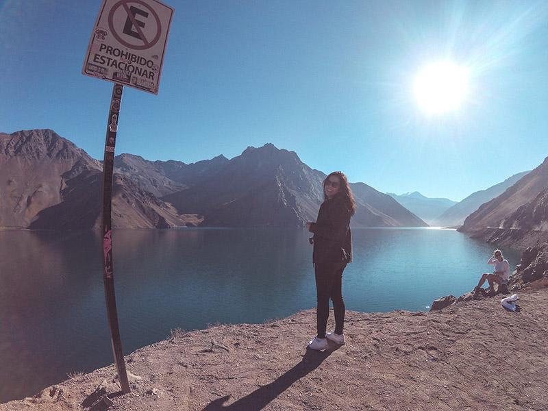 Aprenda a planejar uma viagem para Santiago do Chile com essas dicas! Onde se hospedar, alimentação, transporte, passeios e mais!