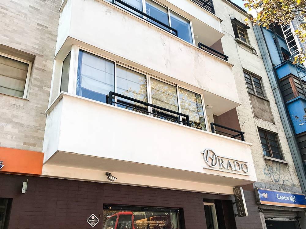 Procurando um lugar onde se hospedar em Santiago do Chile? Então leia resenha completa do Rado Boutique Hostel, um hostel com ótimo custo-benefício e localização excelente!