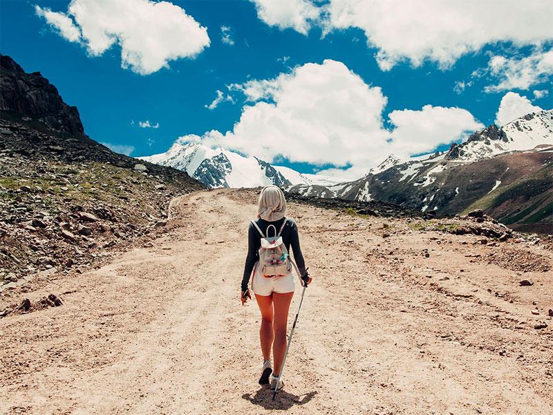 Fazer um seguro viagem pode te economizar centenas de dólares! Descubra outras dicas para quem vai viajar pela primeira vez nesse post!