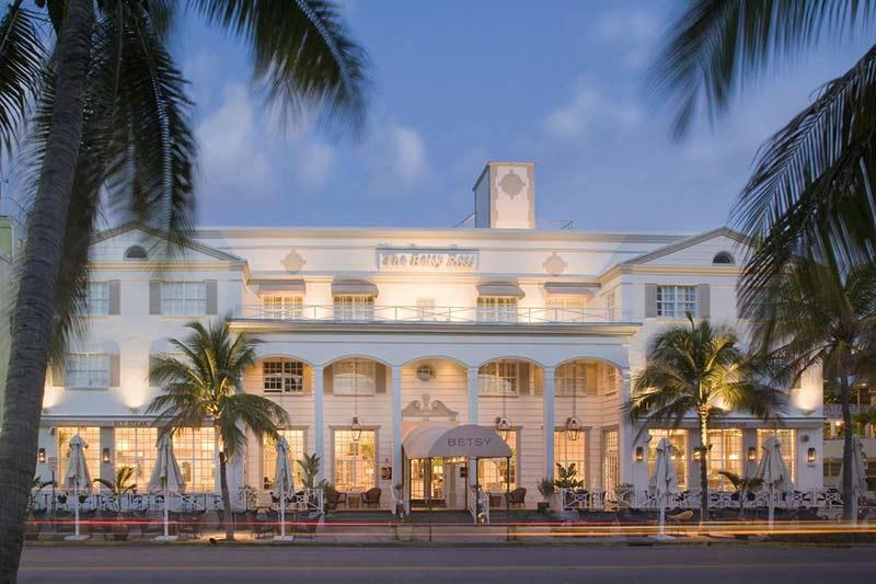 Descubra os melhores bairros e hotéis onde se hospedar em Miami nesse post!