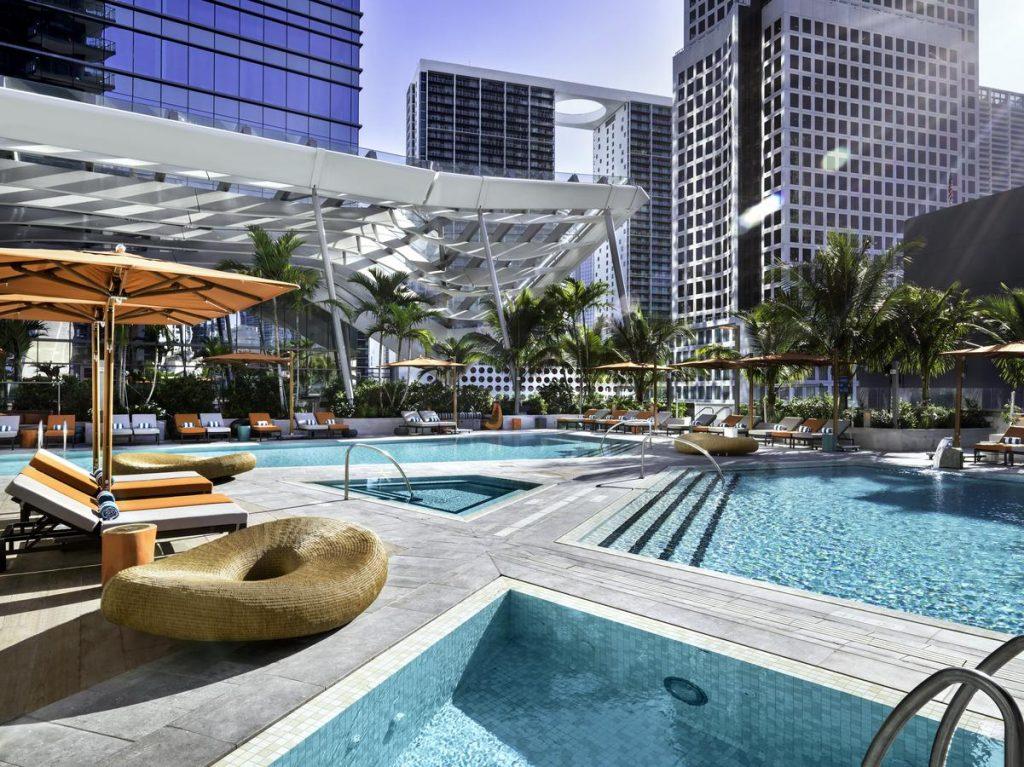 Descubra onde se hospedar em Miami nesse post! Dicas dos melhores hotéis e bairros!