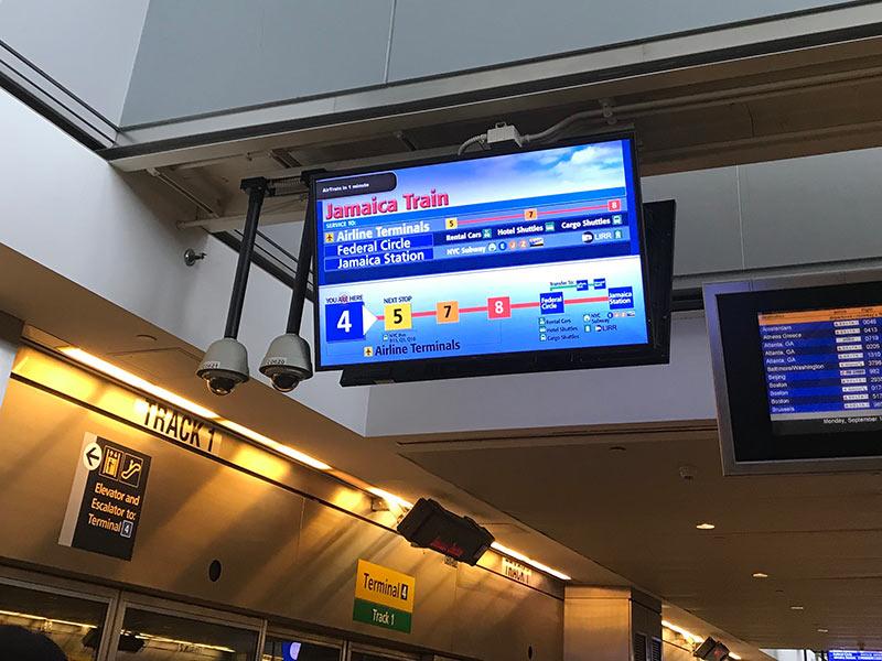 Aprenda como chegar nos principais aeroportos de Nova York usando transporte público nesse post!