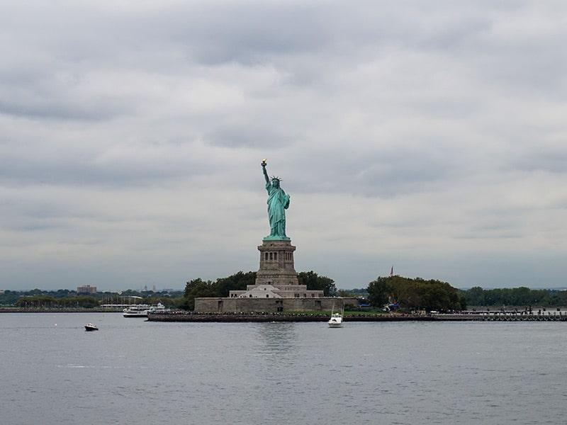 Descubra o que fazer na sua primeira vez em Nova York nesse post! Dicas de atrações, experiêncisas, comidas e mais!