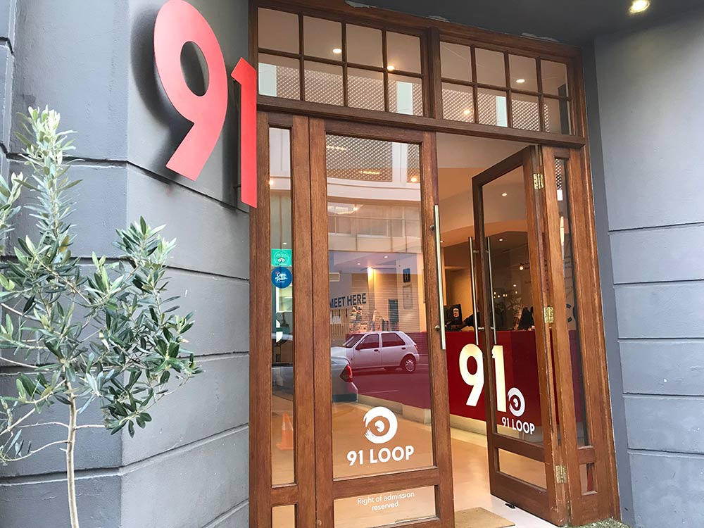 Procurando uma hospedagem barata na Cidade do Cabo? Então confira essa review do 91 Loop, hostel moderno e bem localizado!