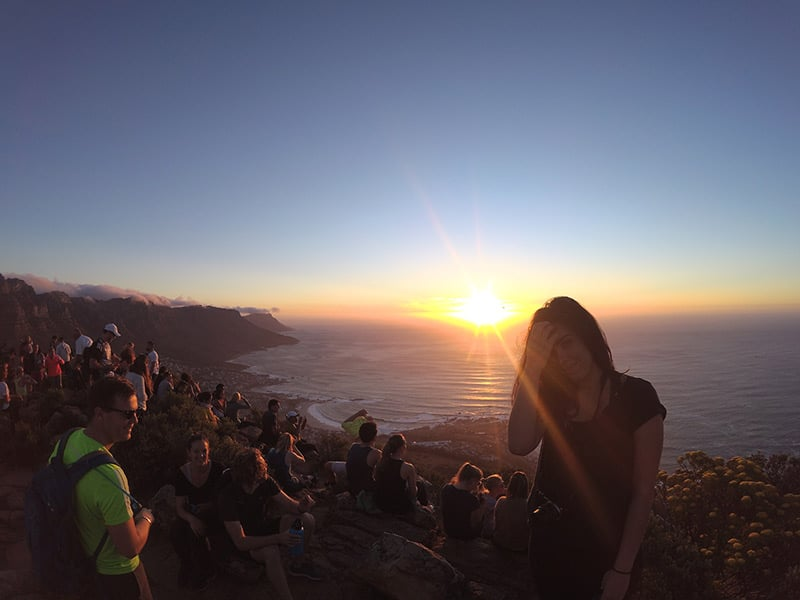 Pôr do Sol em Lion's Head, um passeio imperdível no roteiro pela Cidade do Cabo! Confira o que fazer em um dos lugares mais bonitos da África do Sul nesse post!