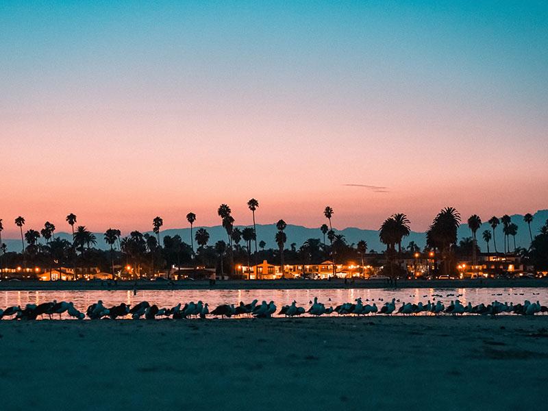 Santa Barbara é uma parada obrigatória na sua viagem pela Califa! Aprenda a montar um roteiro pela Califórnia e Las Vegas nesse post! Dicas de onde ficar, o que fazer, melhores cidades e mais!