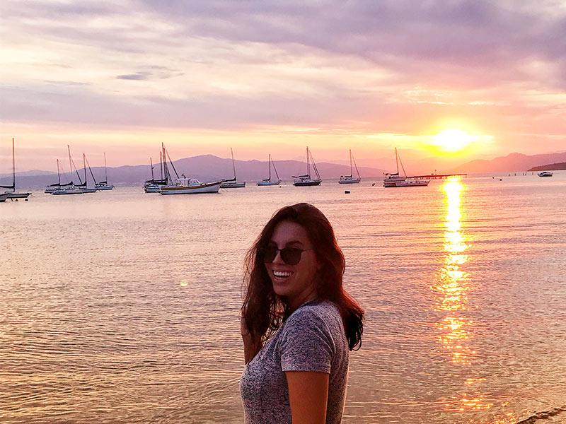 Florianópolis é um dos melhores lugares baratos para viajar no Brasil! Veja uma lista com outros destinos nacionais e internacionais para viajar barato no blog!