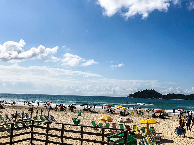 Descubra o que fazer em Florianópolis nesse post! Dicas das melhores praias, passeios, restaurantes e mais para conhecer em um final de semana ou feriado!