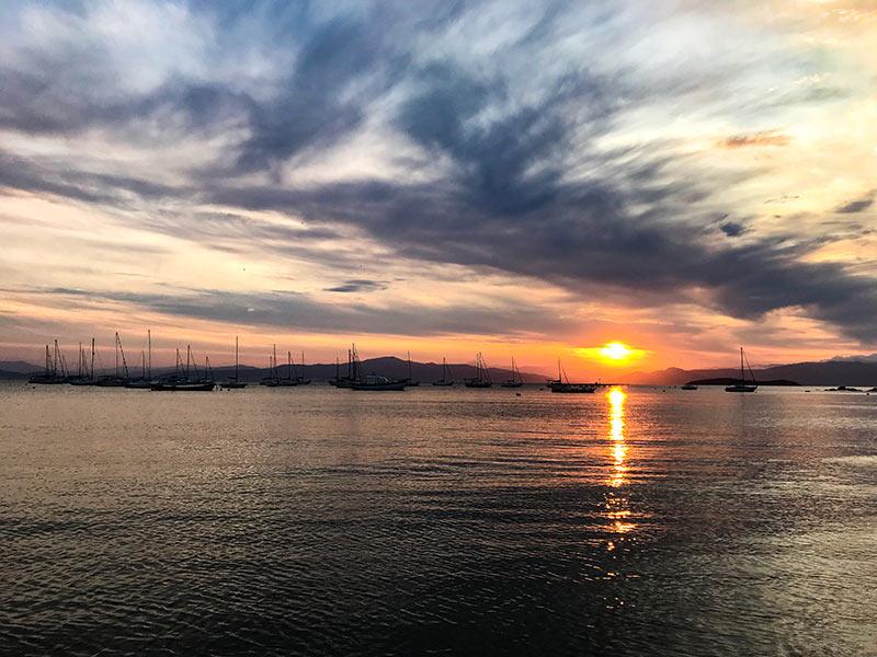 Descubra o que fazer em Florianópolis nesse post! Roteiro para 2 dias na cidade, perfeito para finais de semana ou feriados!