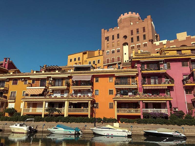 Port Saplaya é um dos passeios imperdíveis de Valência, na Espanha! Descubra o que fazer na cidade e veja um roteiro de 2 dias nesse post!