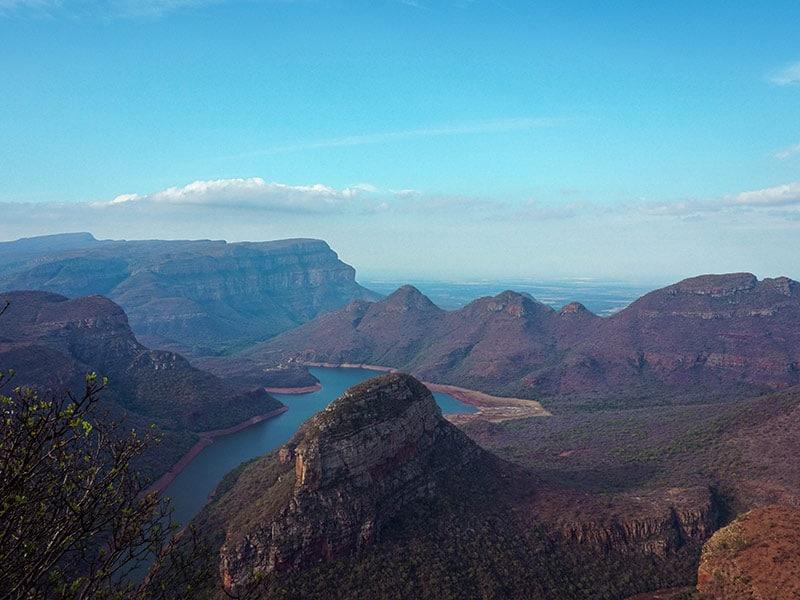 Blyde River Canyon e a Rota Panorâmica precisam fazer parte do seu roteiro pela África do Sul! Veja mais dicas do que fazer no país nesse post!