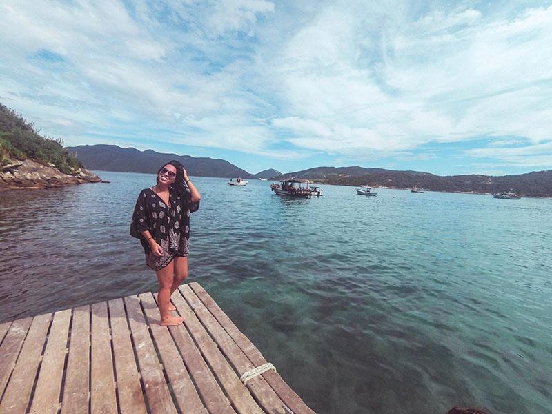 A região dos lagos é um dos melhores lugares para viajar sozinha no Brasil! Descubra outros destinos legais para conhecer por conta própria nesse post!