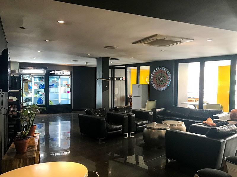 Descubra onde ficar em Joanesburgo nesse post! Review completa do Once in Joburg, um dos melhores custo-benefícios da cidade!