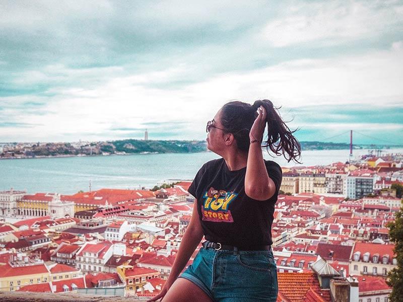 O Castelo de São Jorge é uma daquelas atrações imperdíveis para conhecer na cidade! Descubra o que fazer em Lisboa nesse post!