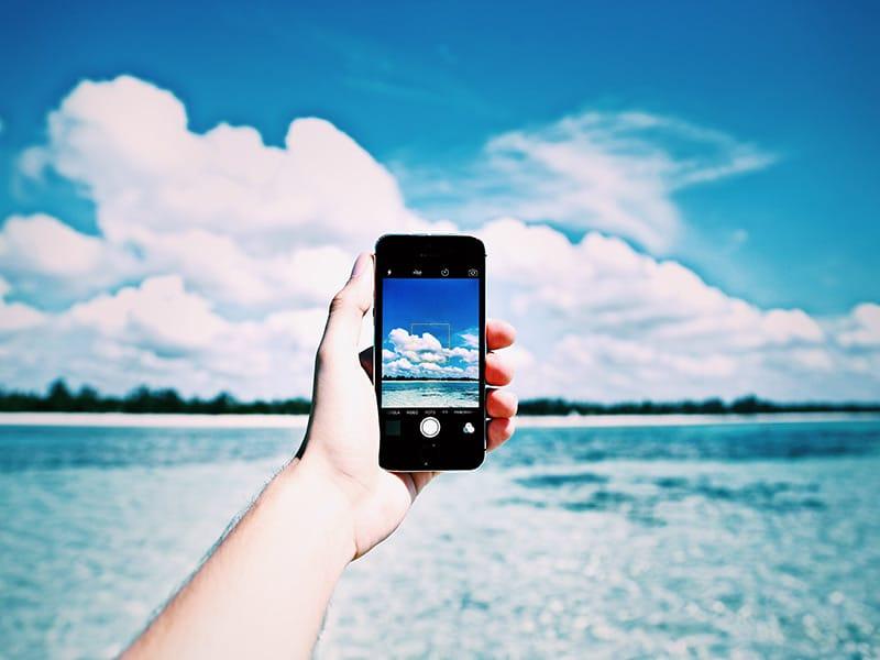 Dicas para usar o celular em viagens e não pagar uma fortuna de roaming! Descubra tudo sobre o chip de viagem!