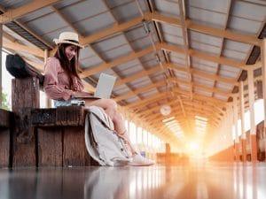 18 sites que vão te ajudar a viajar barato pelo mundo